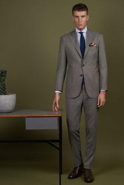 Grauer Business Anzug aus der SS19 Kollektion